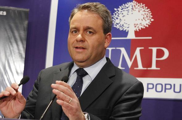 Xavier Bertrand, secrétaire général de l'UMP, le 21 mars 2010 à Paris. SIPA
